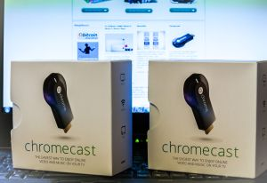 Chromecast dupla 3 of 3 300x206 Folyamatosan küldjük a Chromecasteket.